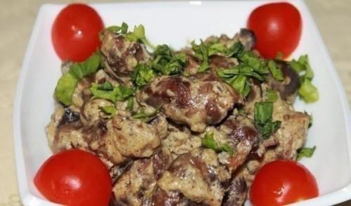 рецепты из курицы куриные сердечки с грибами и сыром