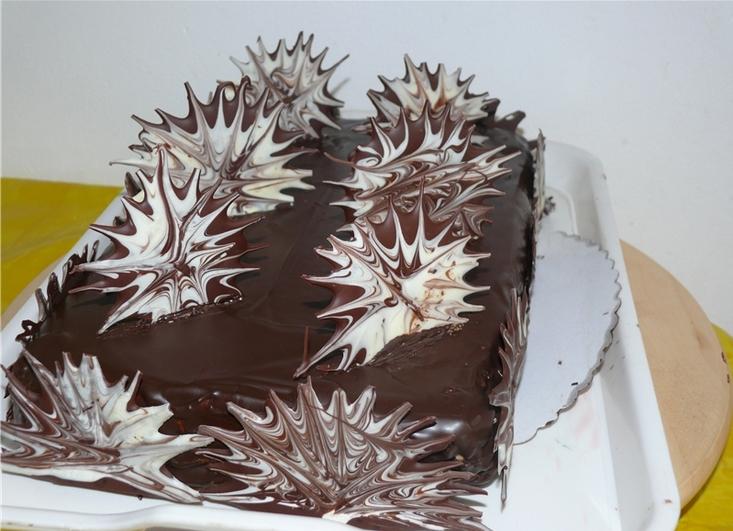 Украшаем торт шоколадом в домашних условиях фото