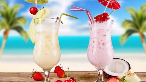 коктель с арбузом и кокосовым молоком