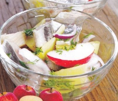 слабосоленая сельдь в яблочном маринаде