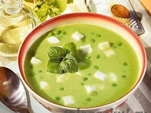 гороховый суп-пюре с моцареллой