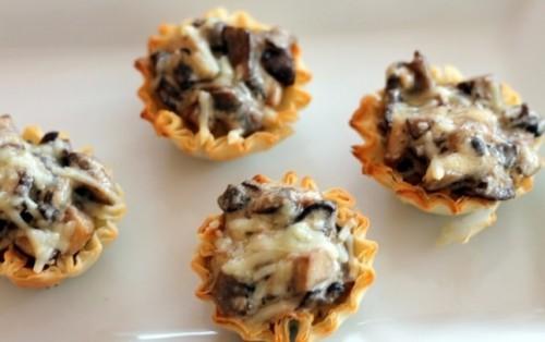 закуска тарталетки с грибами и курицей