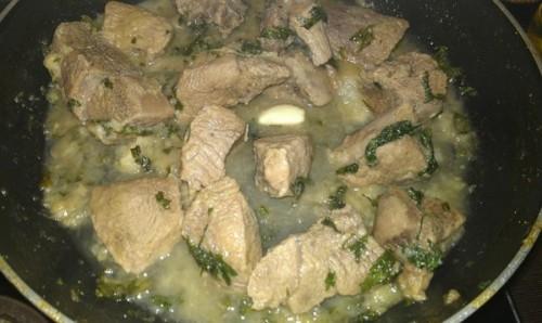 мясо тушеное с грушами рецепт