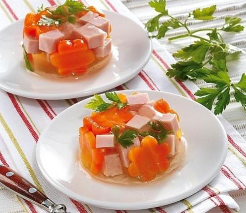 заливное с ветчиной и морковью