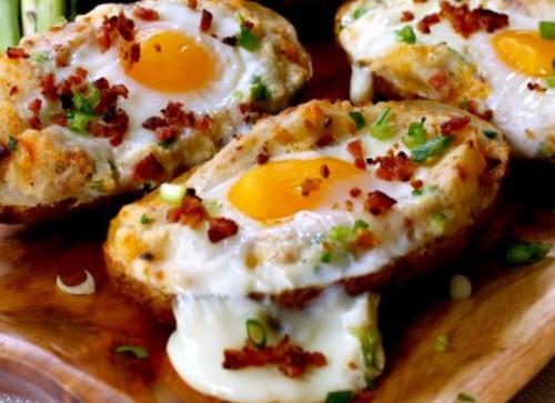запеченный картофель с яйцом - 01