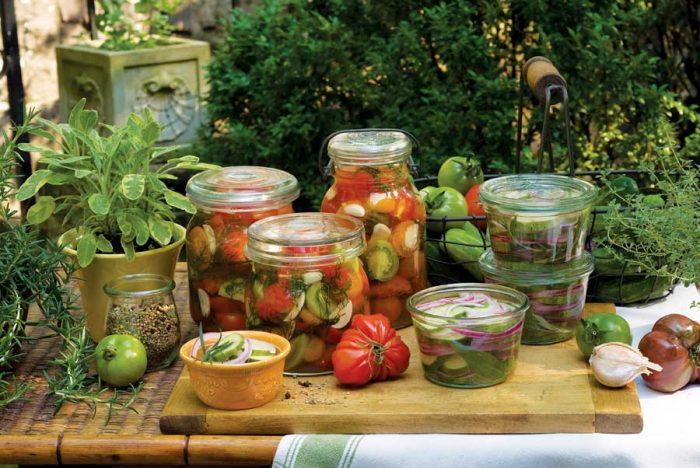 Заготовки на зиму из огурцов и помидоров. 12 секретов