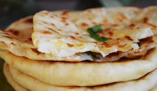 Лепешки с сыром на сковороде без кефира