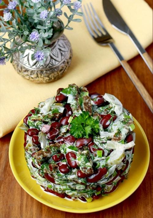 салат из фасоли с гренками - 02