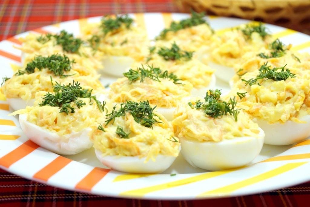 Фаршированные яйца классический рецепт