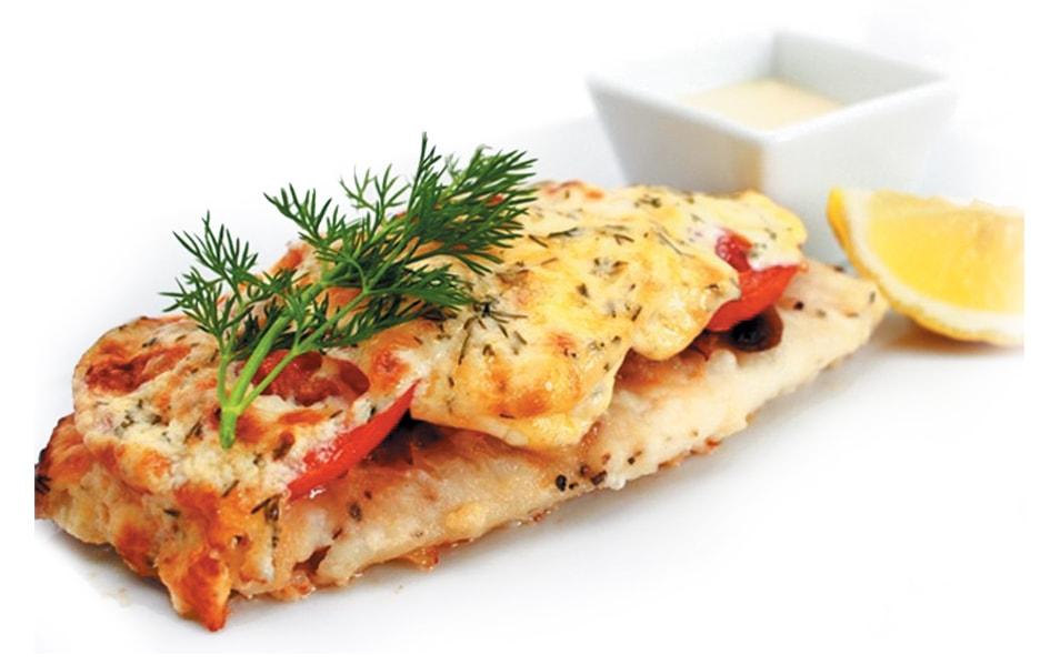 Запеченная рыба с помидорами и сыром
