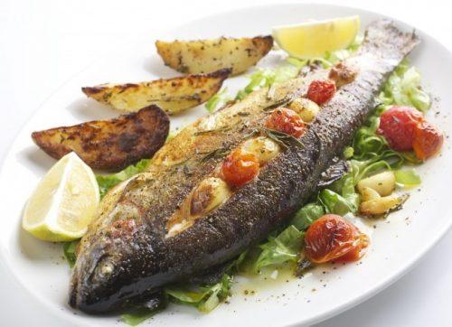 рыба жареная и фаршированная
