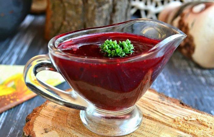 фруктово-ягодный соус из чёрной смородины